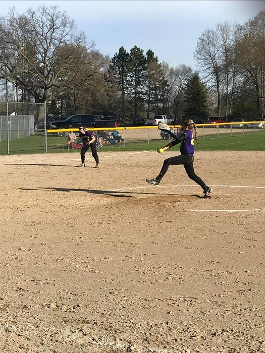 Mikaylyn Kenney Pitching