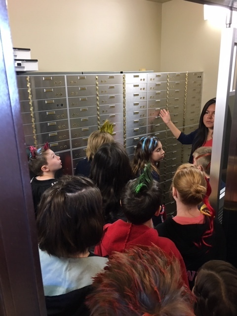 3rd Grade students visiting Shelby State Bank vaults